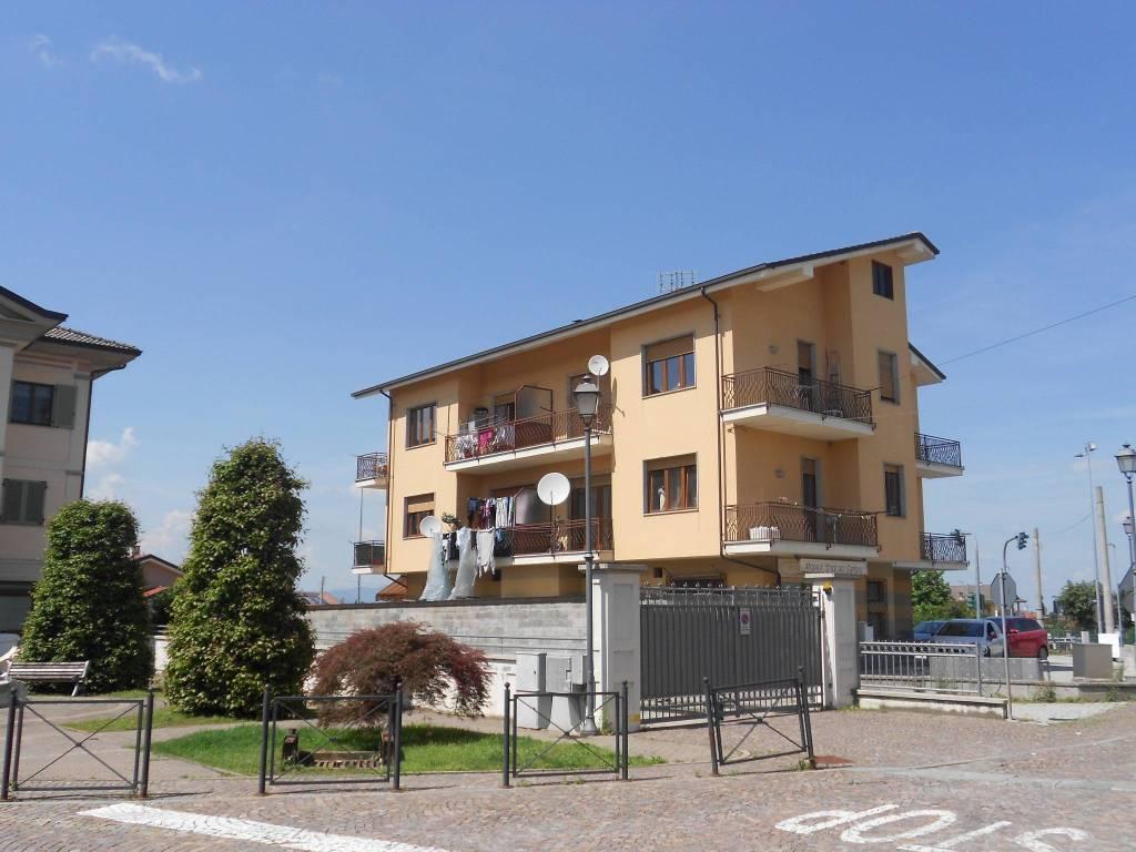 Appartamento in buone condizioni in affitto Rif. 7453688