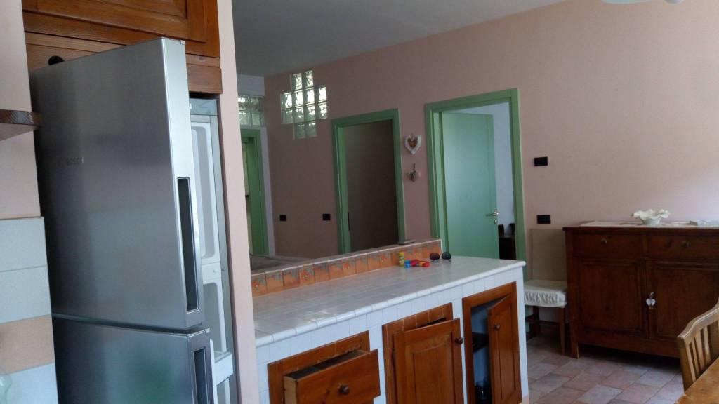 Appartamento in ottime condizioni arredato in affitto Rif. 7453077