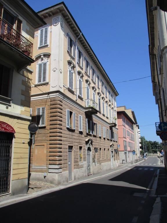 Ufficio / Studio in affitto a Pavia, 6 locali, prezzo € 1.000 | CambioCasa.it