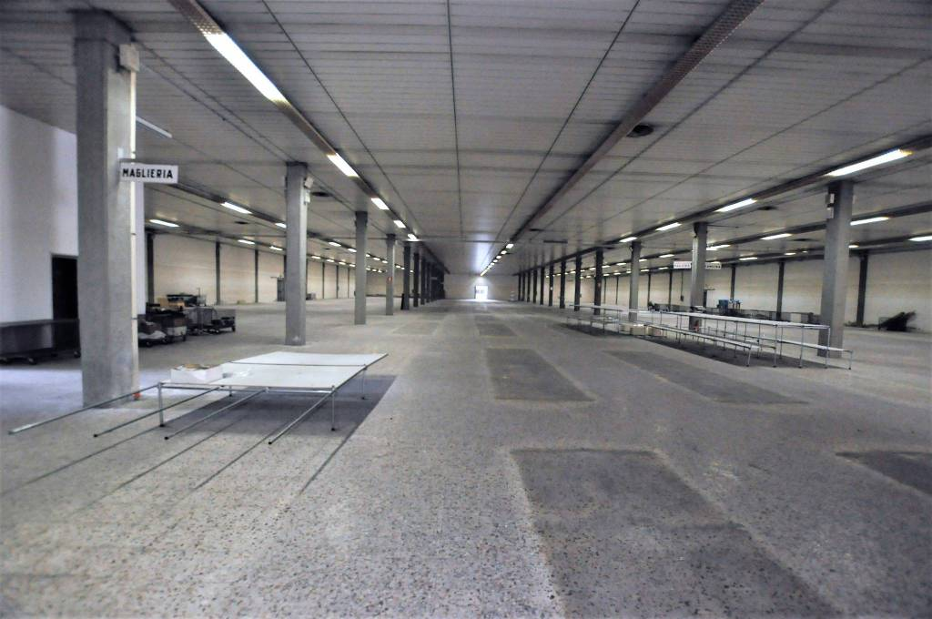 Magazzino - capannone in vendita Rif. 7450069