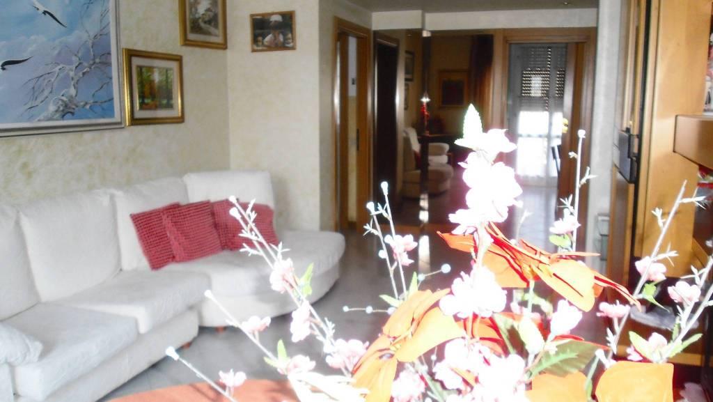 Appartamento in ottime condizioni in vendita Rif. 7461099
