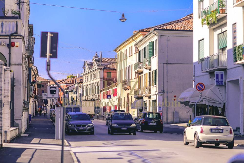 Negozio monolocale in affitto a Castelfranco Veneto (TV)