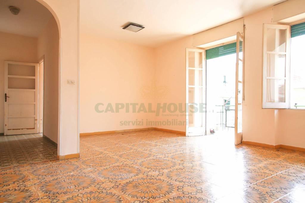 Appartamento da ristrutturare in vendita Rif. 7461478