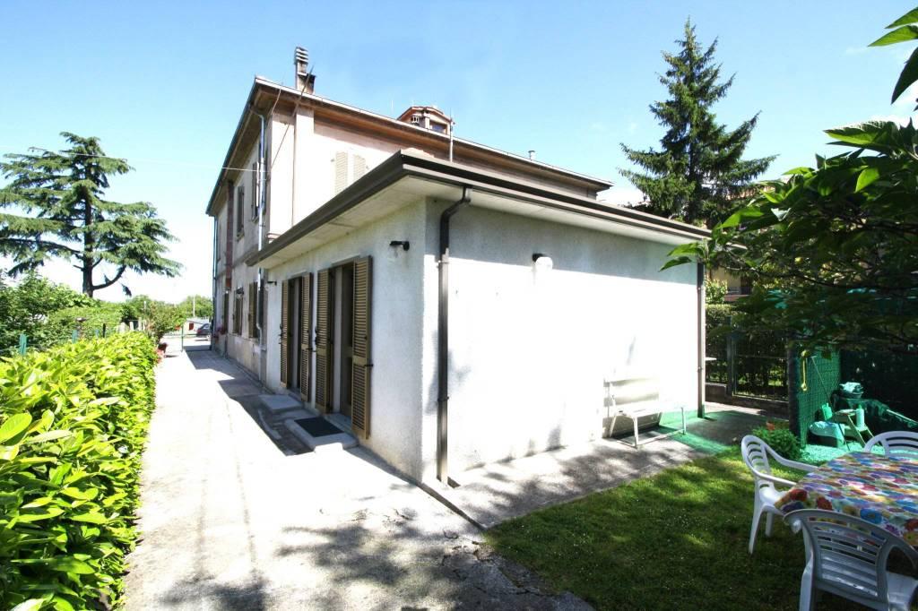 Appartamento in buone condizioni in vendita Rif. 8522028