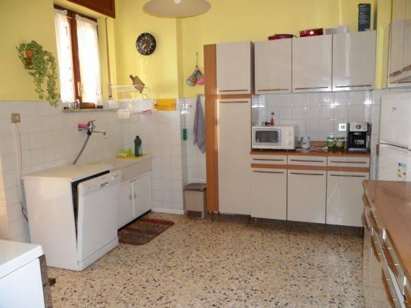 Appartamento in buone condizioni in vendita Rif. 7460796