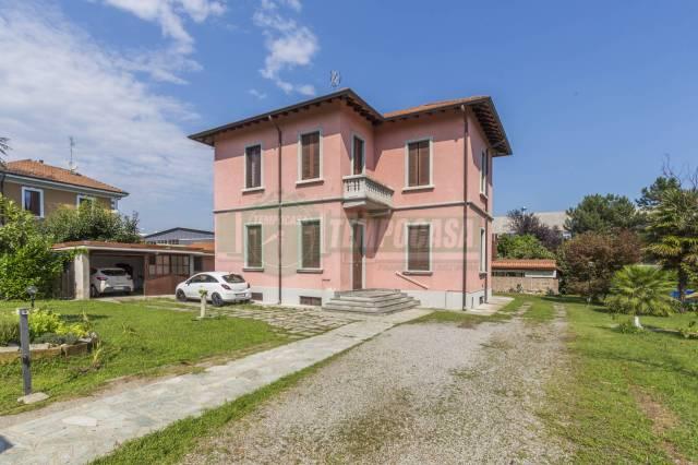 Villa 5 locali in vendita a Concorezzo (MB)