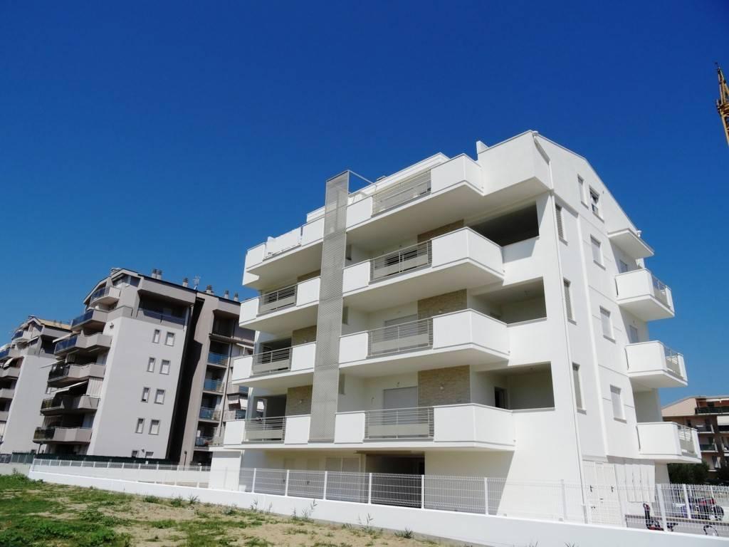 Appartamento in vendita Rif. 6837493