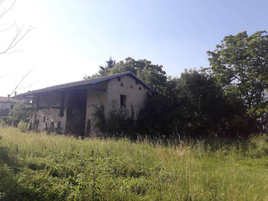 Rustico / Casale da ristrutturare in vendita Rif. 7460105