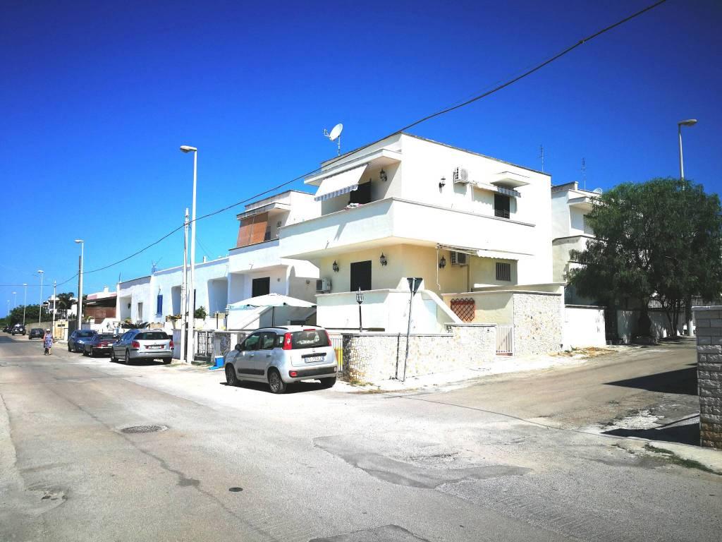 Appartamento in buone condizioni arredato in vendita Rif. 7610652