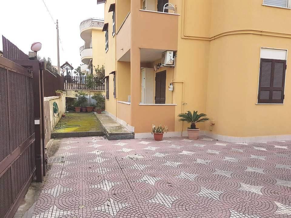 Appartamento quadrilocale in affitto a Giugliano in Campania (NA)