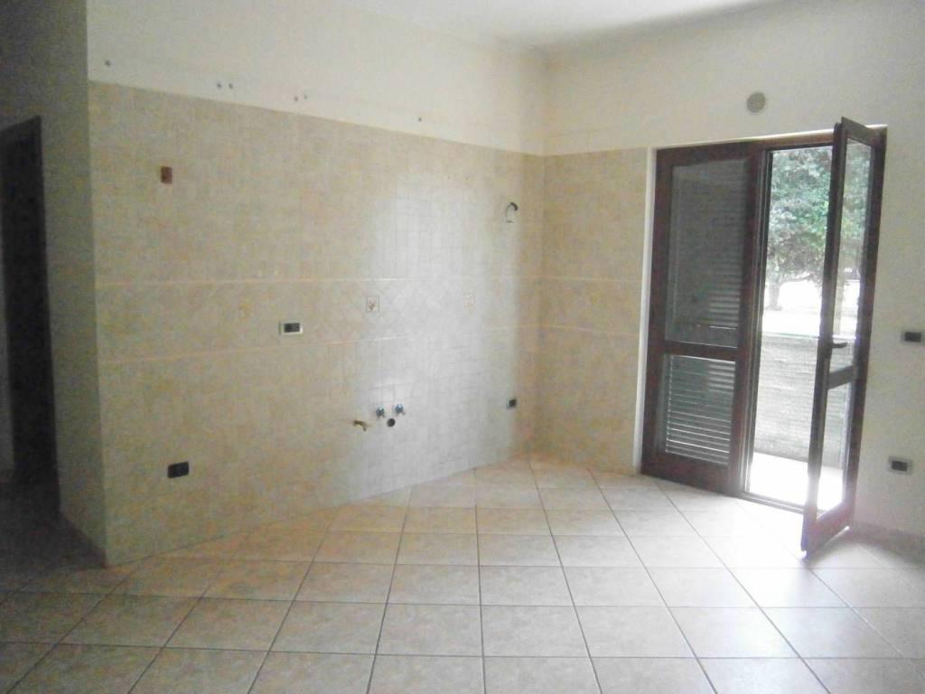 Appartamento trilocale in affitto a Quarto (NA)