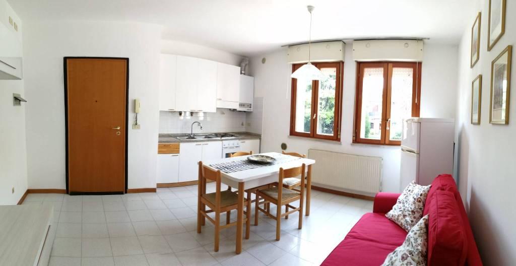 Appartamento in buone condizioni arredato in vendita Rif. 4491573