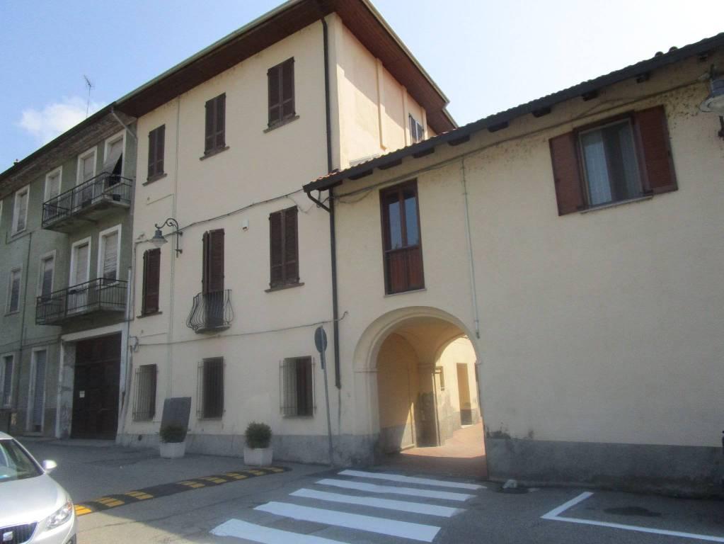 Appartamento in ottime condizioni in vendita Rif. 7474655