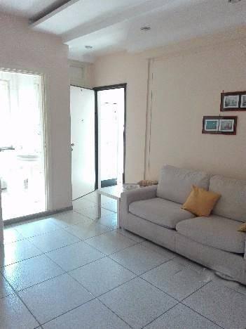 Appartamento in buone condizioni arredato in affitto Rif. 7377424