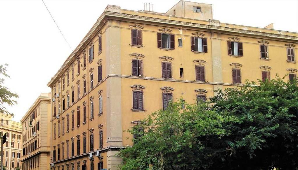 Appartamento in vendita 3 vani 88 mq.  via Sebastiano Grandis Roma