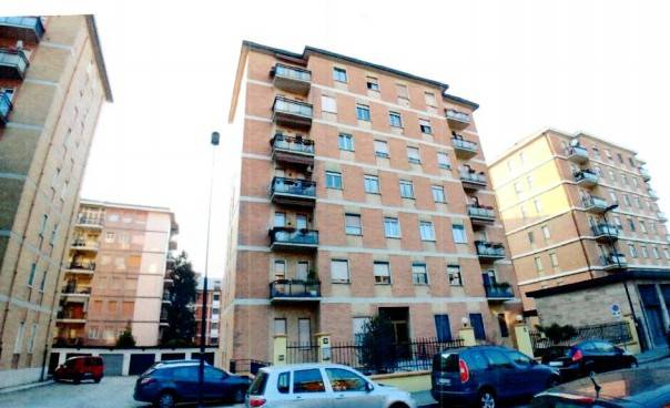 Appartamento in buone condizioni in vendita Rif. 7476240