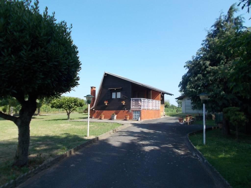 Rustico / Casale in vendita a Bricherasio, 2 locali, prezzo € 98.000 | PortaleAgenzieImmobiliari.it