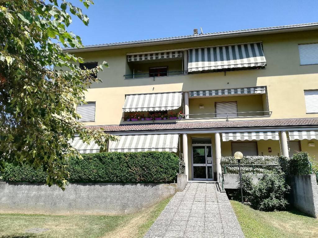Appartamento in buone condizioni in vendita Rif. 7473832