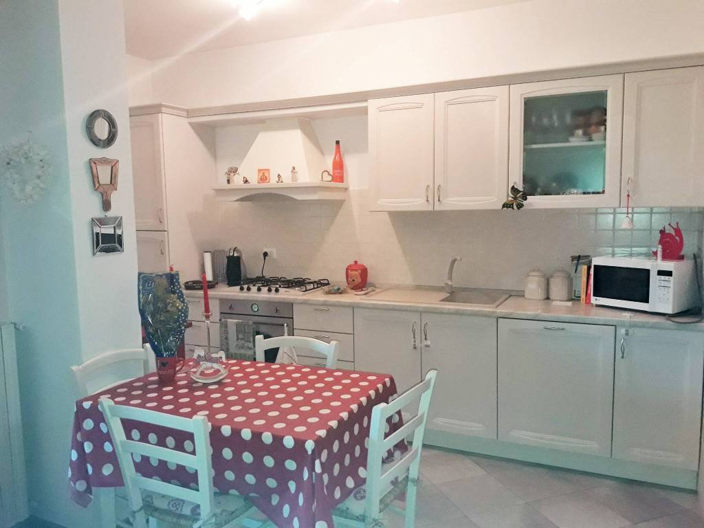 Appartamento in ottime condizioni arredato in vendita Rif. 7473795