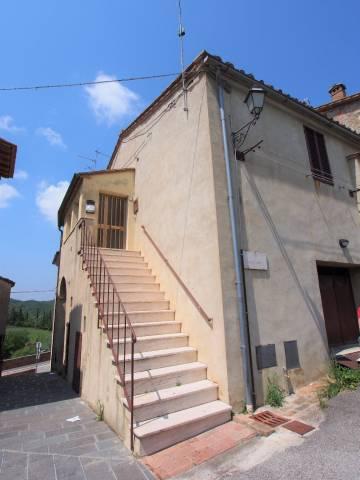appartamento con garage, vista e ingresso indipendente
