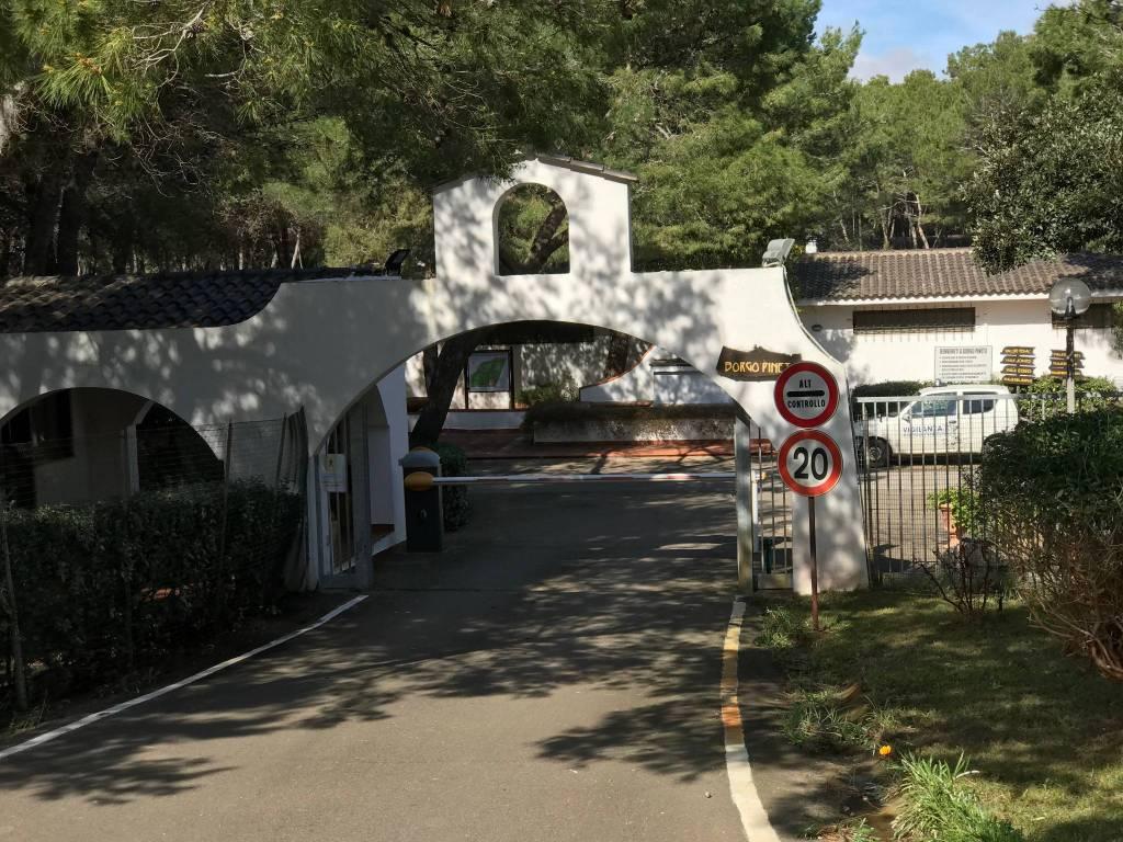 Villa in buone condizioni parzialmente arredato in vendita Rif. 6076470