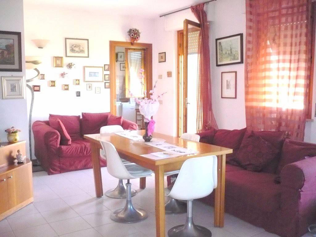 Appartamento in ottime condizioni arredato in vendita Rif. 7496031