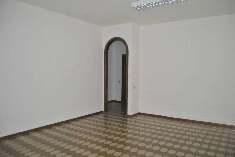 Appartamento in Vendita a Cagliari: 4 locali, 125 mq