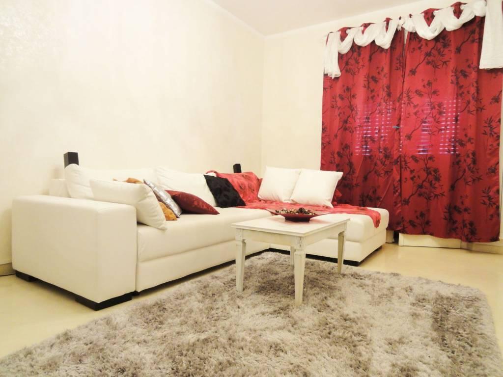 Appartamento in ottime condizioni arredato in affitto Rif. 7483098