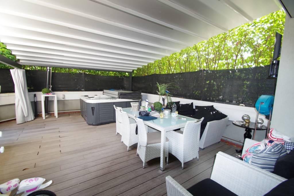 Appartamento in ottime condizioni parzialmente arredato in vendita Rif. 7483009