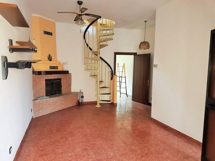 Appartamento in ottime condizioni in vendita Rif. 7484891
