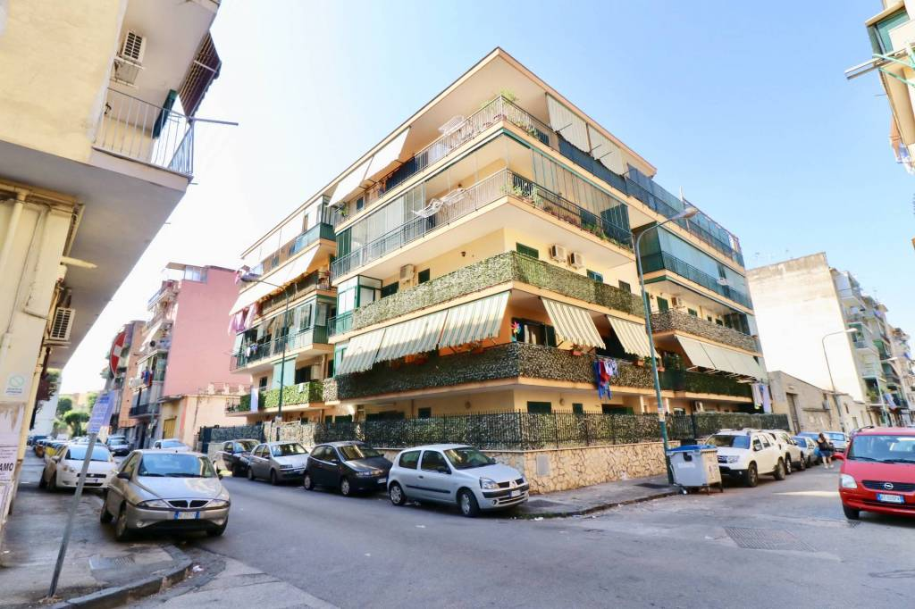 Appartamento in ottime condizioni in vendita Rif. 7481813