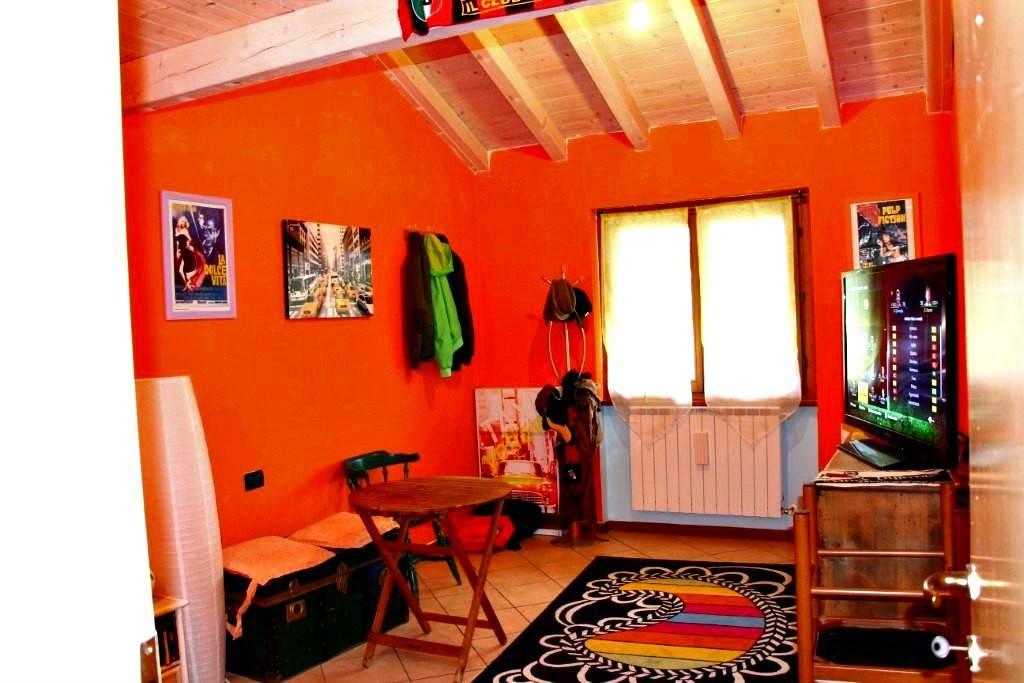 Appartamento in ottime condizioni arredato in vendita Rif. 7484304