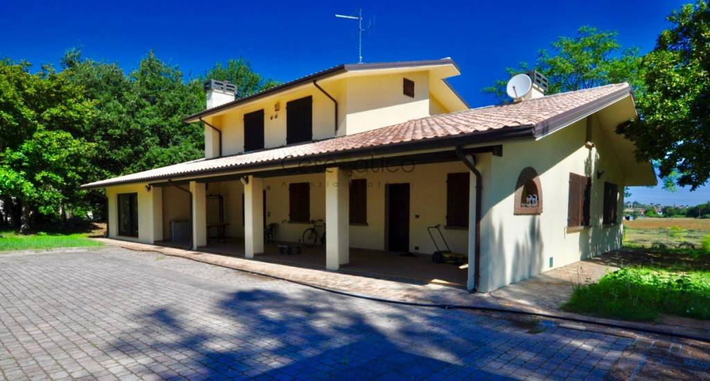 Villa in Vendita a Savignano Sul Rubicone Centro:  5 locali, 450 mq  - Foto 1