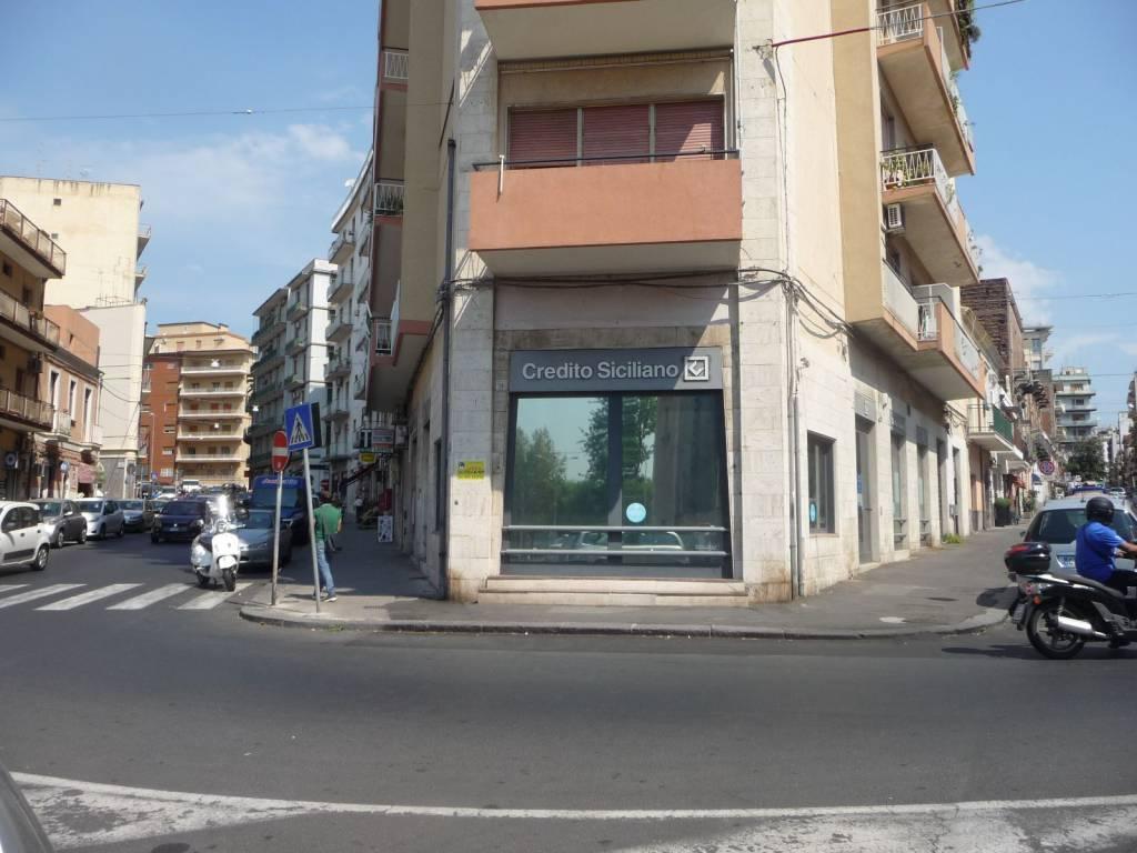 Bottega Via Filocomo Piazza Cavour
