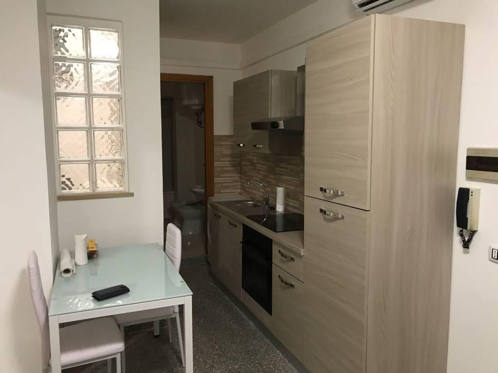 Appartamento in buone condizioni arredato in affitto Rif. 7484763