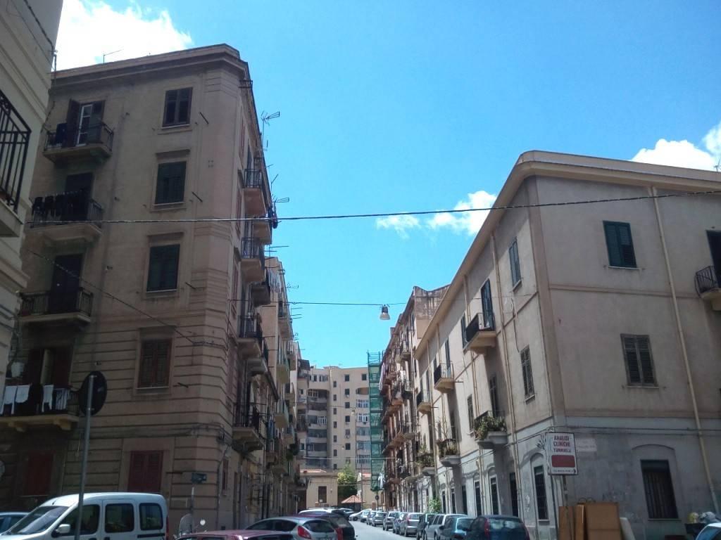 Appartamento in Affitto a Palermo Centro:  2 locali, 50 mq  - Foto 1