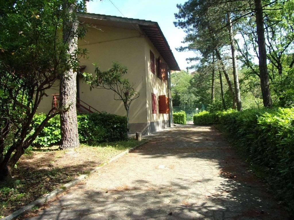 Villa da ristrutturare parzialmente arredato in vendita Rif. 6180159