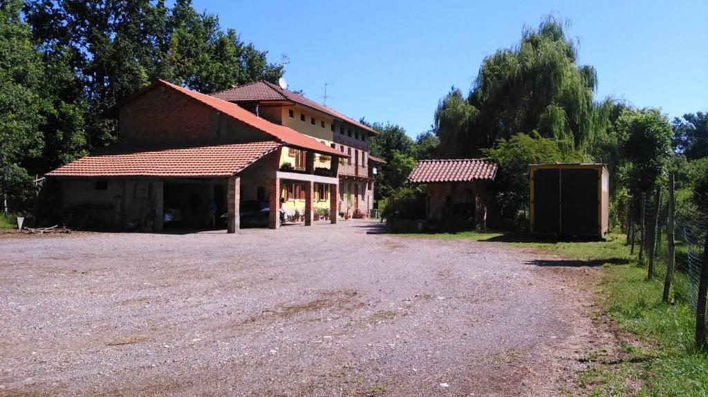 Casa Indipendente in buone condizioni in vendita Rif. 8271742