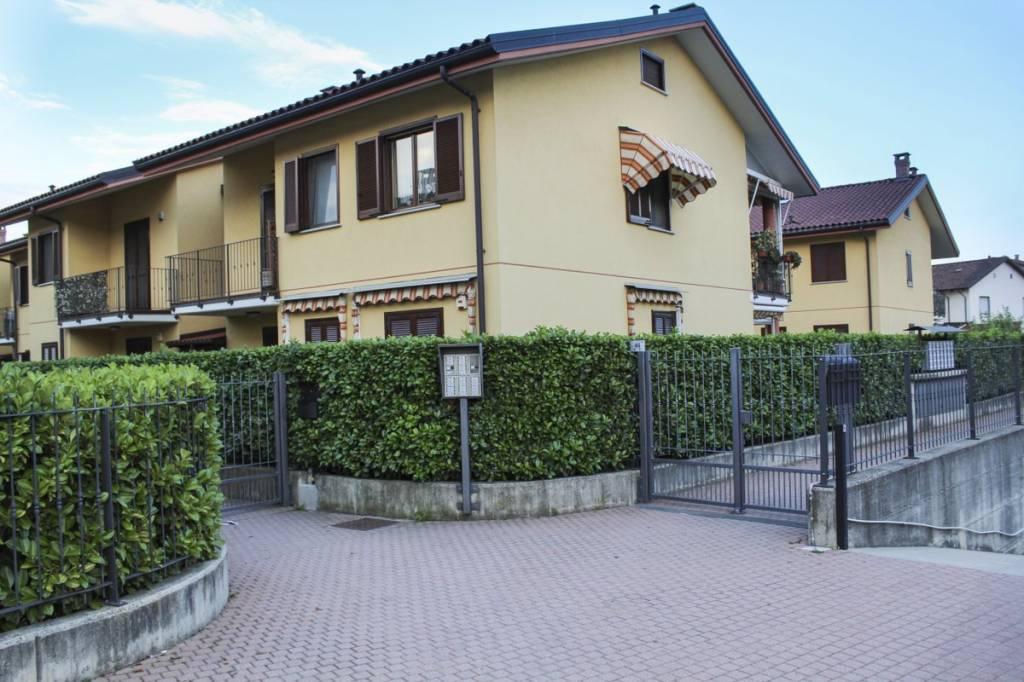 Appartamento in ottime condizioni in vendita Rif. 7484958