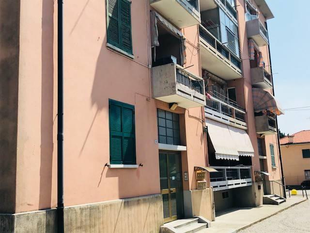 Appartamento in vendita a Olgiate Comasco, 3 locali, prezzo € 89.000 | CambioCasa.it