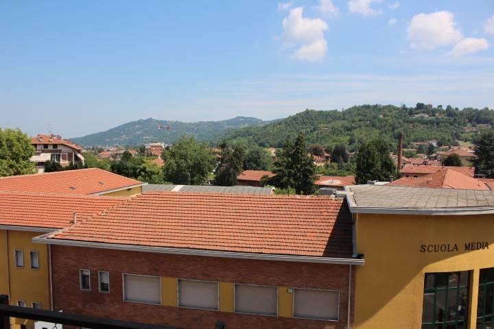 Appartamento in buone condizioni in vendita Rif. 7484601