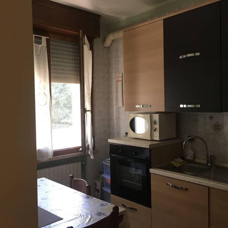 Appartamento in buone condizioni arredato in vendita Rif. 7482124