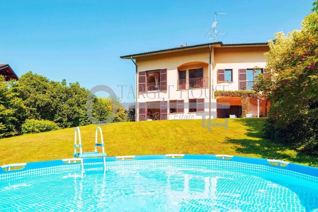 Villa in buone condizioni parzialmente arredato in vendita Rif. 7484490