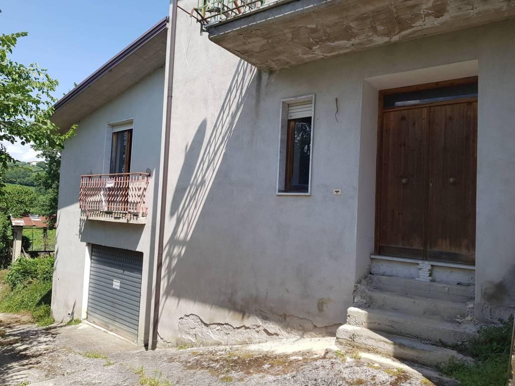 Casa Indipendente in buone condizioni in vendita Rif. 9139760