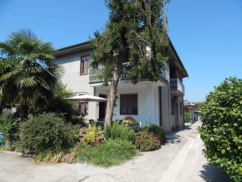 Appartamento in ottime condizioni in vendita Rif. 7483032