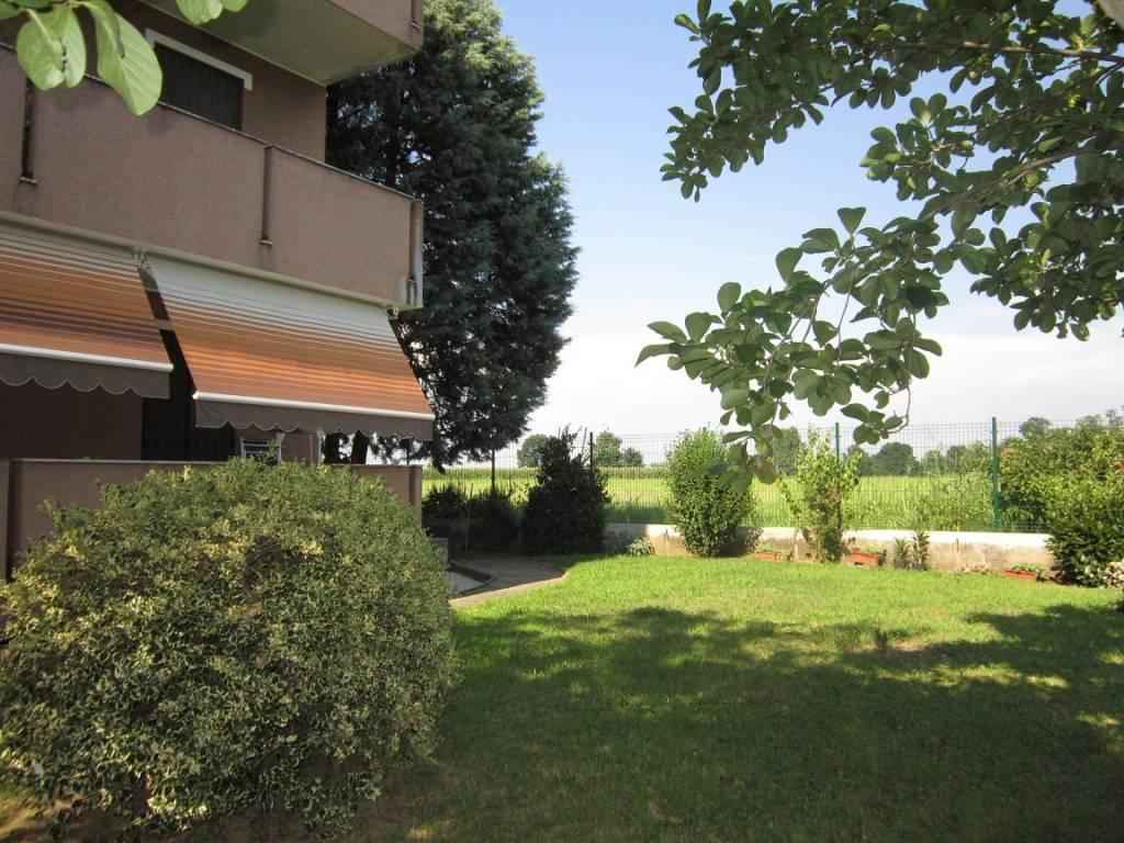Appartamento in buone condizioni in vendita Rif. 7483930