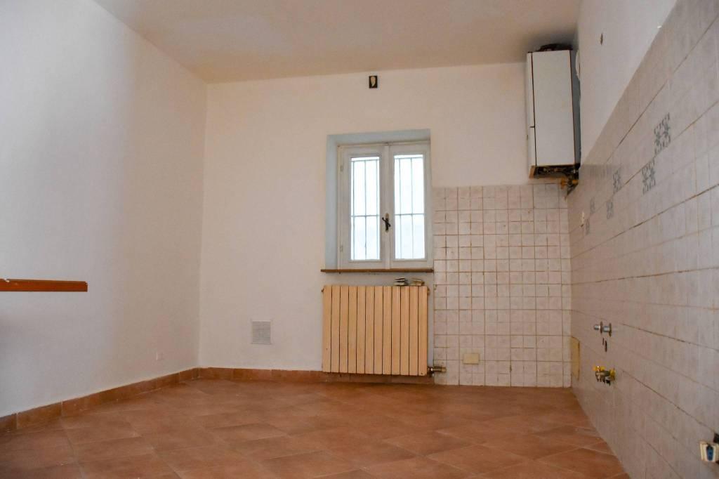 Appartamento in buone condizioni in vendita Rif. 7552941
