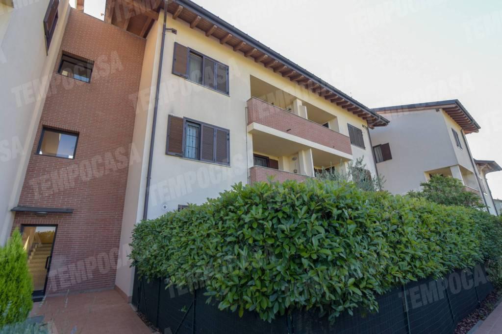 Appartamento in ottime condizioni in vendita Rif. 7494982