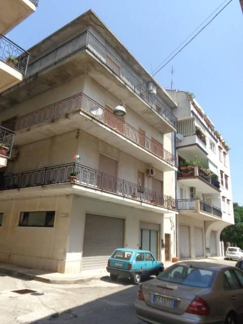 Appartamento in buone condizioni in vendita Rif. 7493342