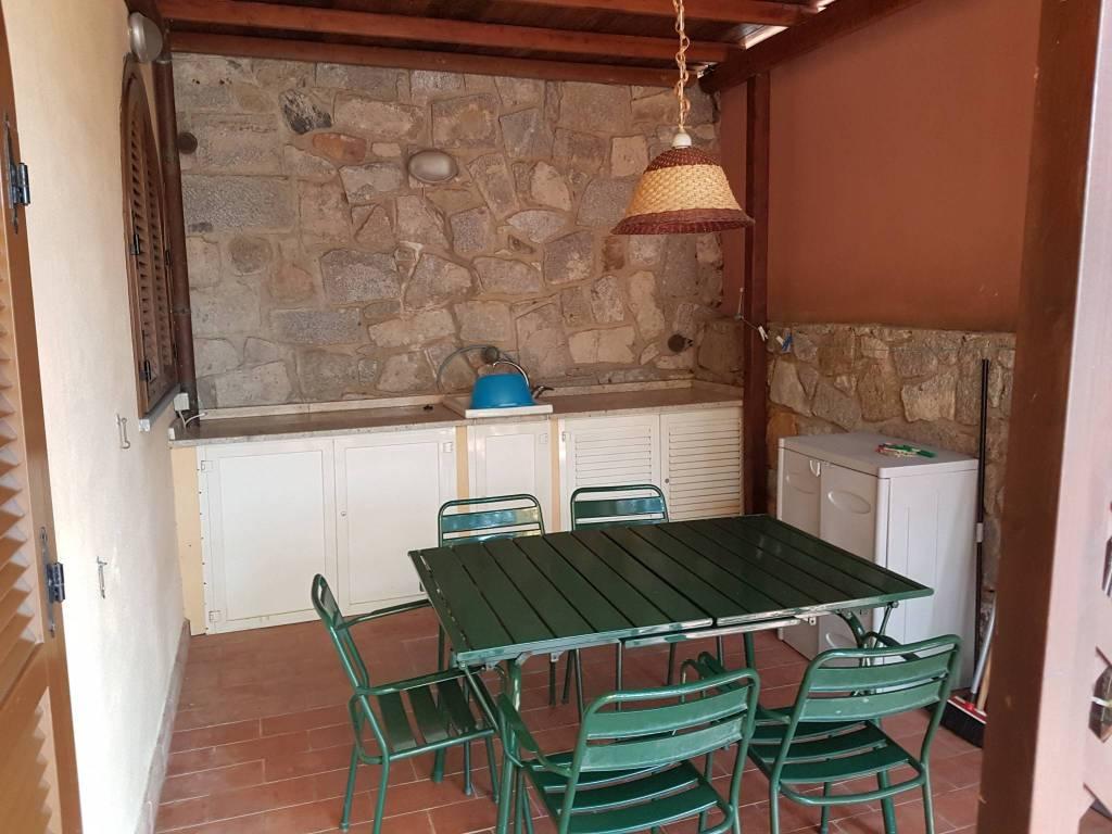Appartamento in ottime condizioni arredato in vendita Rif. 7495276